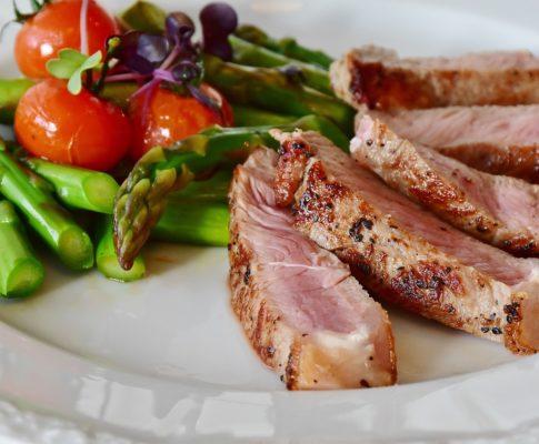 Mięso w diecie dziecka – dlaczego jest ważne?